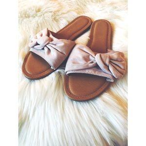 Madden Girl Blush Pink 🎀 Bow Sandals